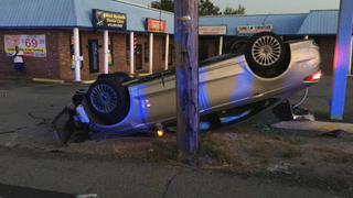 Driver Hits Pole, Knocks Out Power In Nashville