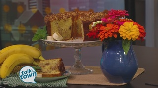 Lynne Tolley's Banana Crunch Cake