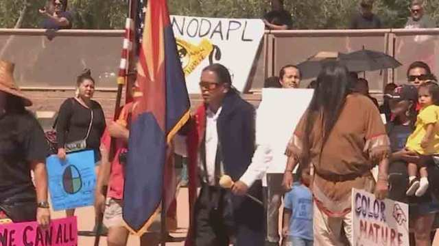 Tribes march in Seattle to back Standing Rock Sioux