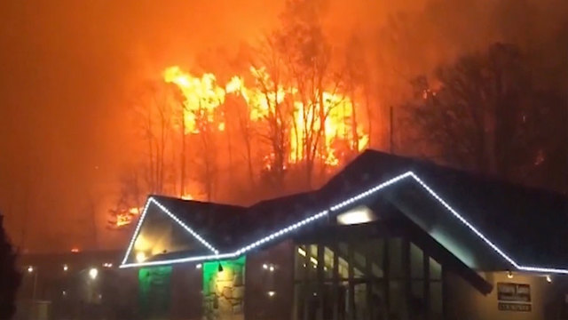 Tennessee mayor confirms 13 dead from wildfires