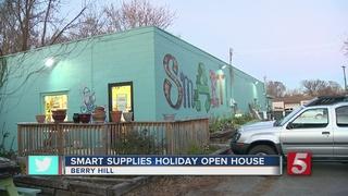 'SmART Supplies' Hosts Basket Sale For Holidays