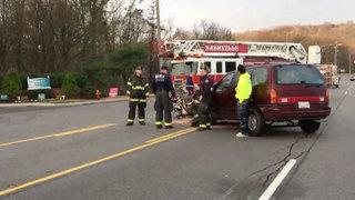 2 Hurt In Crash On Bell Road