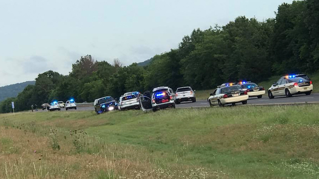 Escaped Georgia inmates captured after chase in Tennessee