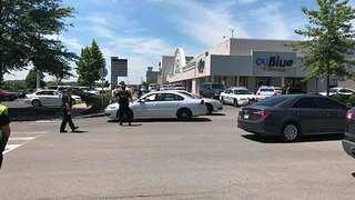 Inmate killed after officer shot at Tenn. mall