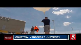 Vandy Students Prepping Balloon For Eclipse