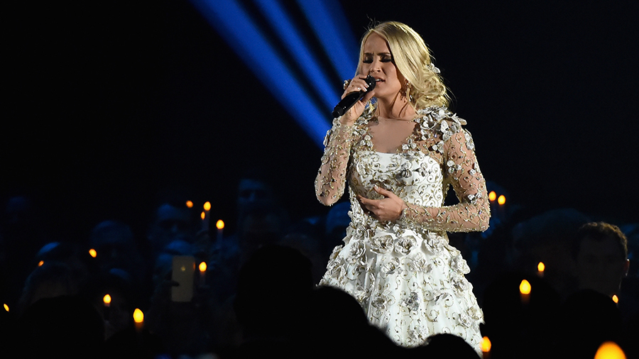 carrie underwood confirms pregnancy and 2019 tour
