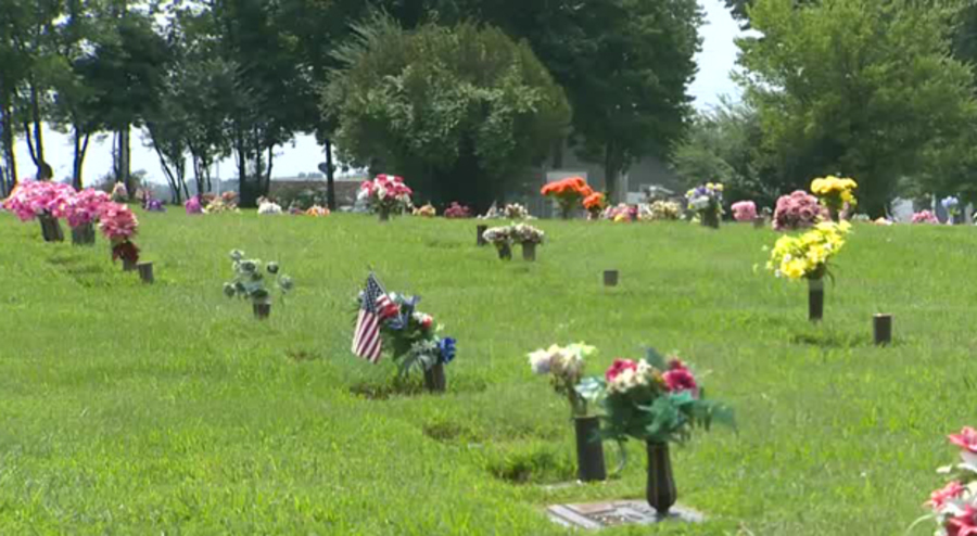 Family Upset Over Eclipse Watch Event At Cemetery - NewsChannel 5 ...