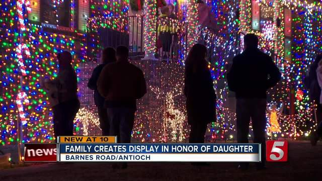London-s Lights Dazzle In Honor Of 2-Year-Old-s Life