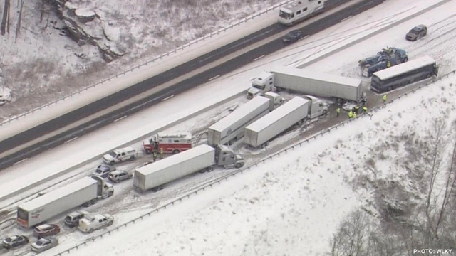 Snow causes crash involving bus in Kentucky
