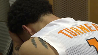 Loyola Tops Tennessee On Late Jumper