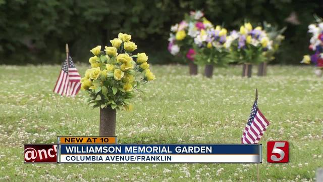 500 Flags Honor Fallen Soldiers For Memorial Day