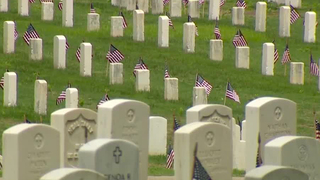 Thousands Honored At Nashville National Cemetery