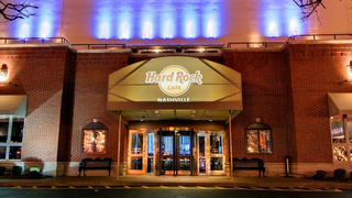 Nashville Hard Rock Cafe Worker Honored