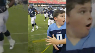 Boy Gets High Five From Marcus Mariota