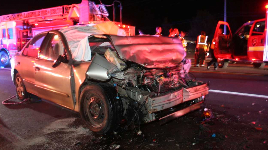 woman killed in 2-car crash in clarksville