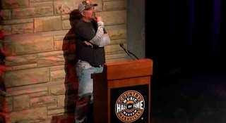 Garth Brooks announces big show at Notre Dame