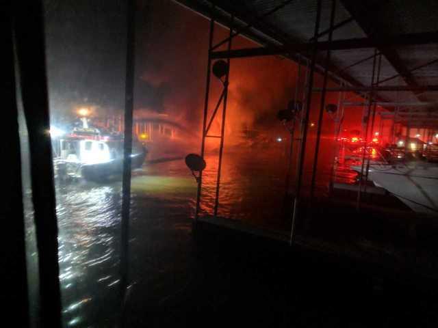 Man, dog escape boat fire in Hendersonville